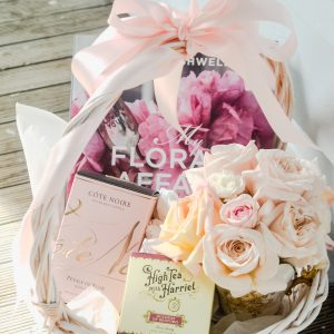 Vintage Gift Baskets & Hampers -